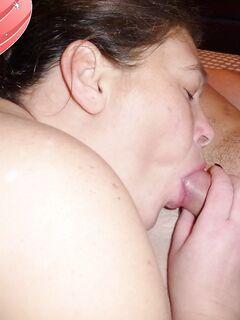 Подборка минетов замужних дамочек из соцсети секс фото и порно фото