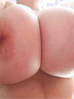 Подборка налитых сисек домохозяек из сети секс фото и порно фото
