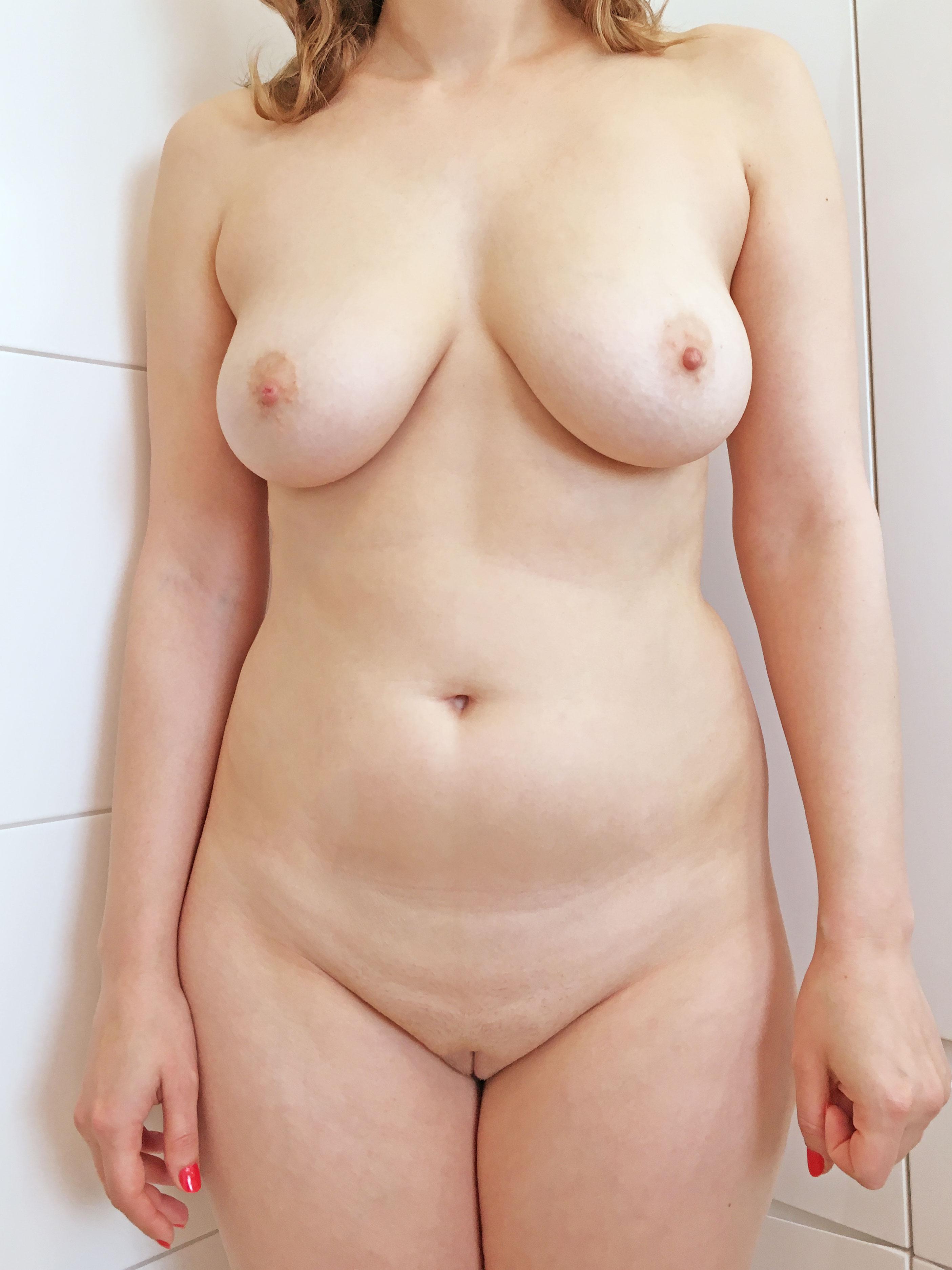 Компиляция голых сисек молодых девушек в домашних условиях секс фото и порно фото
