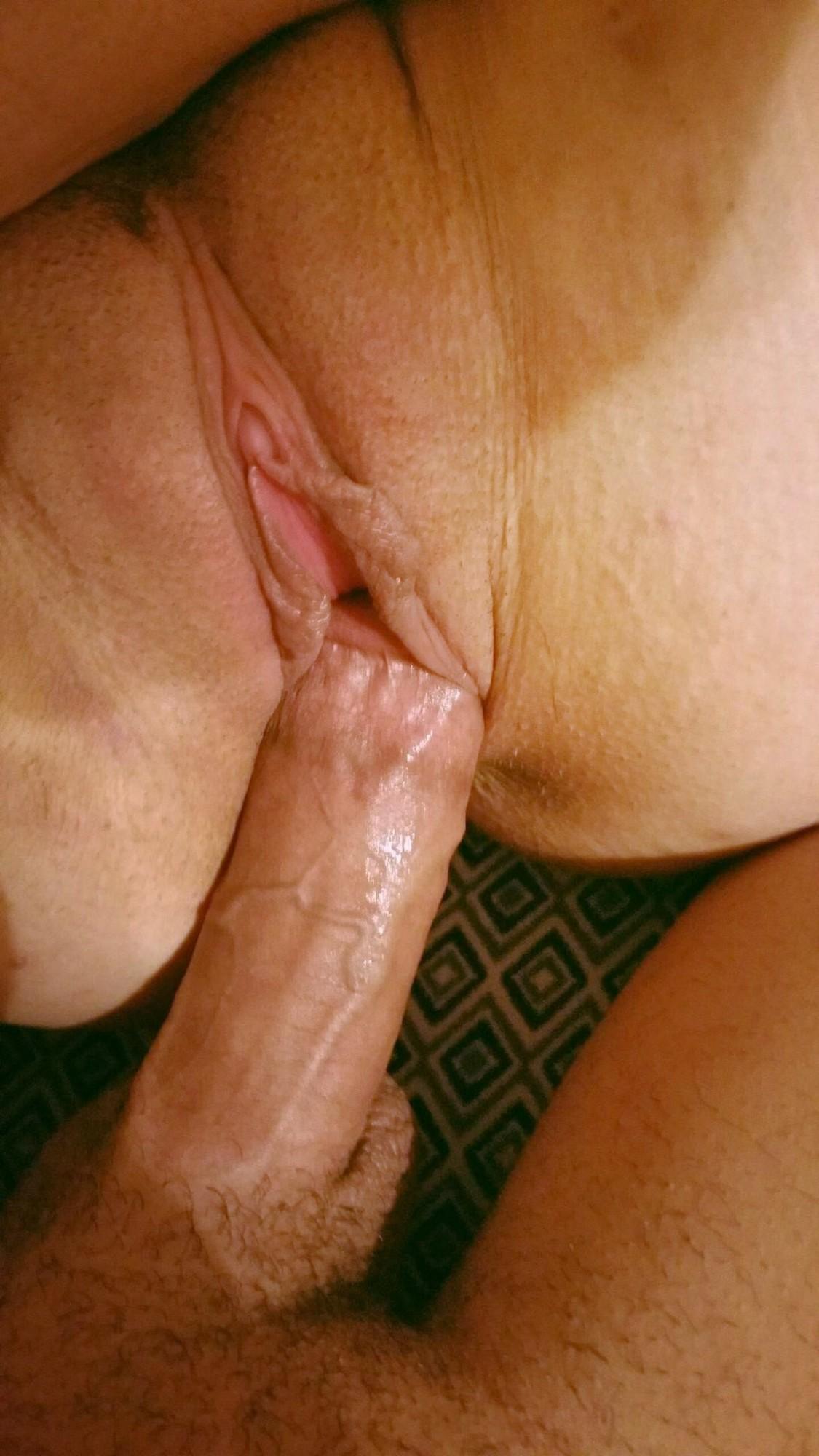 Анонимно присланные снимки грудастой неформалки с пирсингом секс фото и порно фото