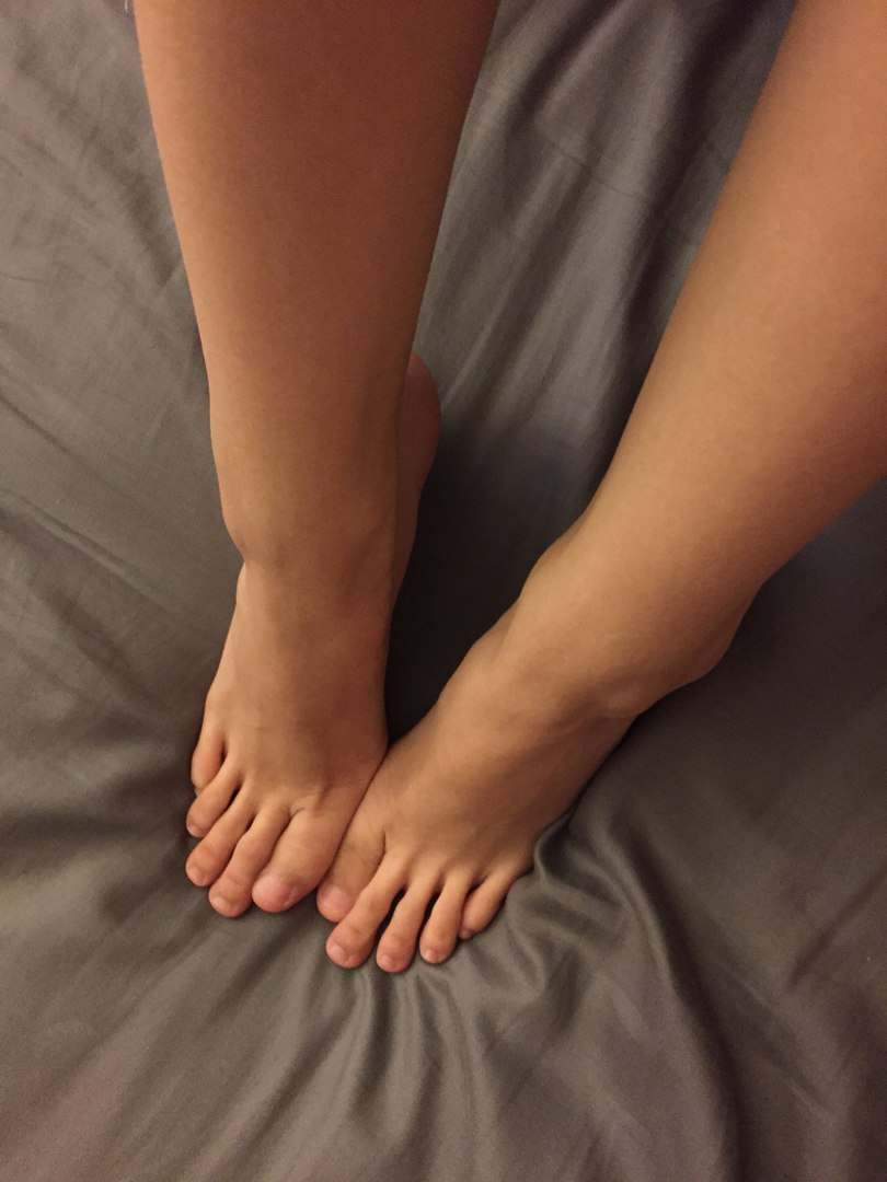 Любительницы фут фетиша показывают ножки и ступни секс фото и порно фото