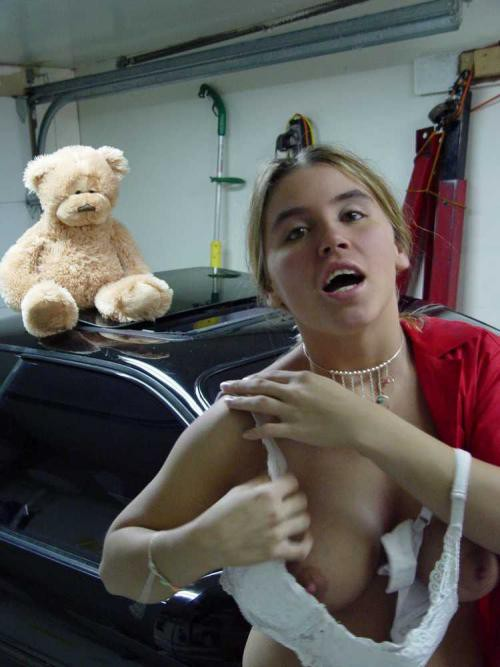 Подборка засветов сосков грудастых девушек в разной обстановке секс фото и порно фото