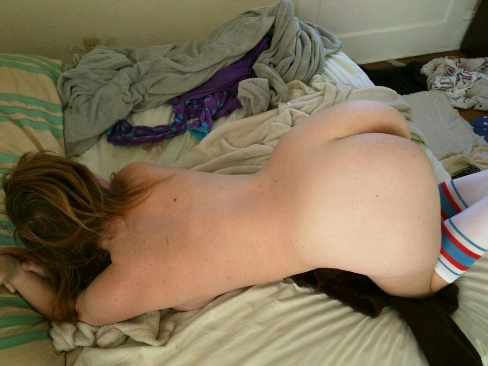Толстозадая американка сосет болт и трахается в писю верхом секс фото и порно фото