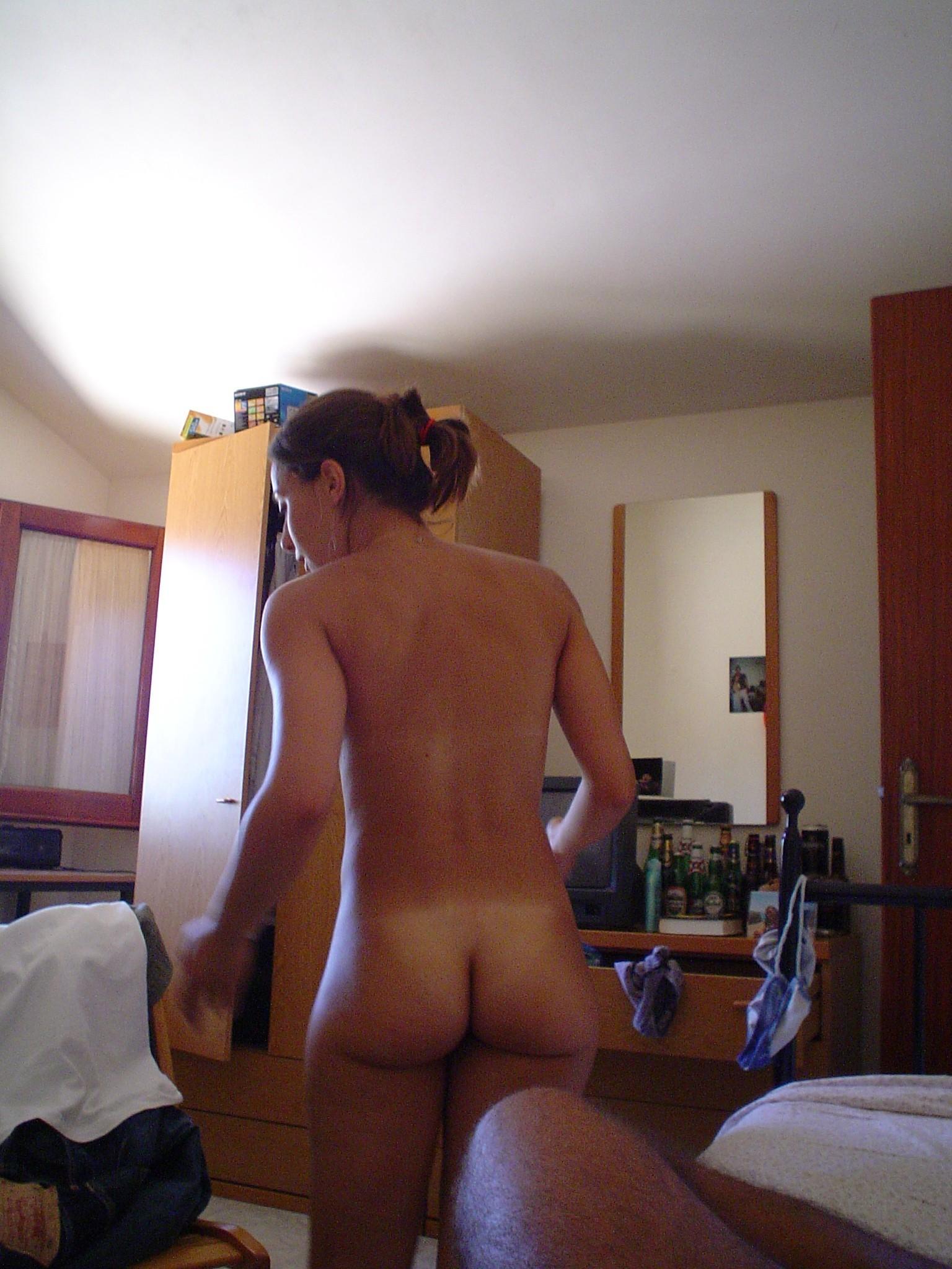 Домашняя нарезка голых попок домохозяек в разных позах секс фото и порно фото