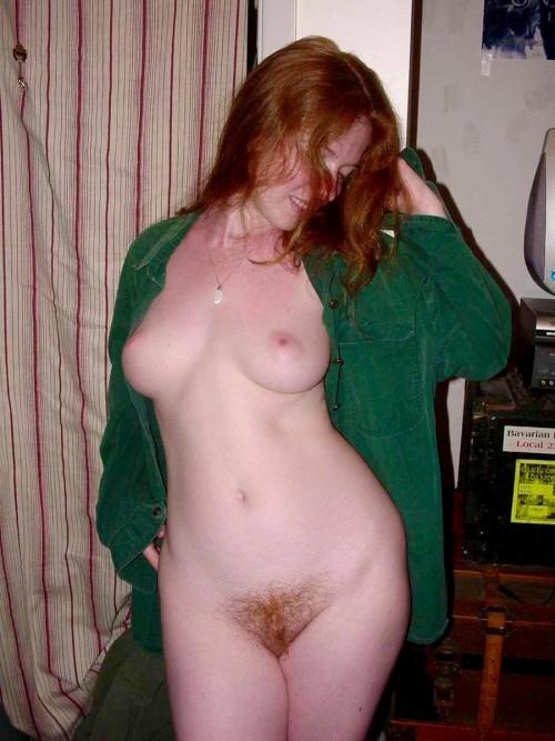 Голые девушки с рыжими волосами на домашних снимках секс фото и порно фото