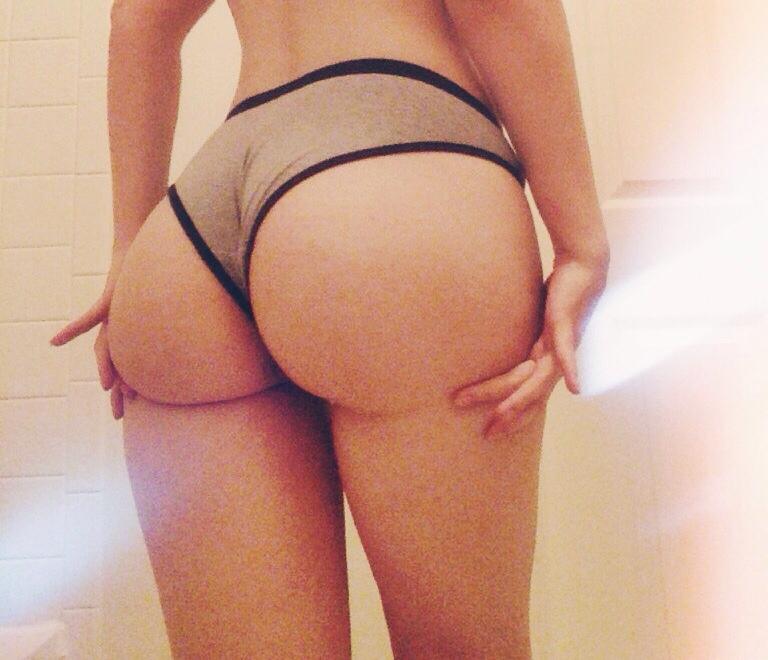 Подборка голых задниц молодых стройняшек секс фото и порно фото