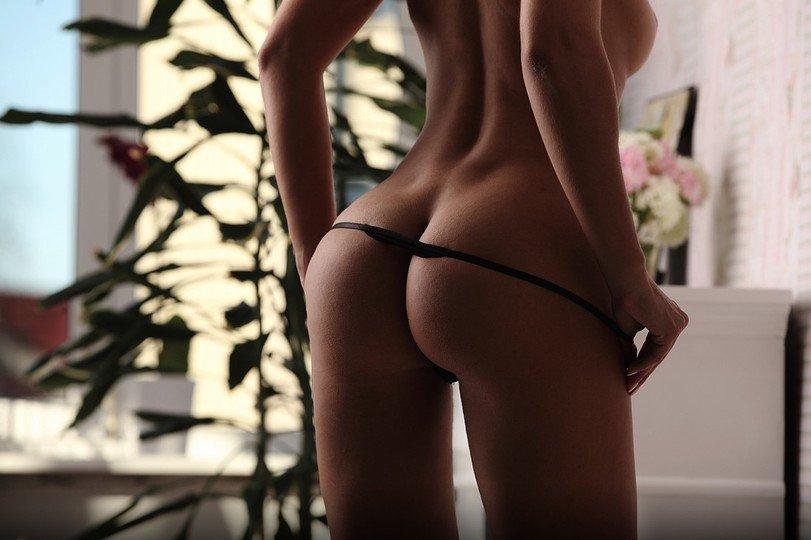 Стильные лесбиянки позируют на вебку в домашних условиях секс фото и порно фото