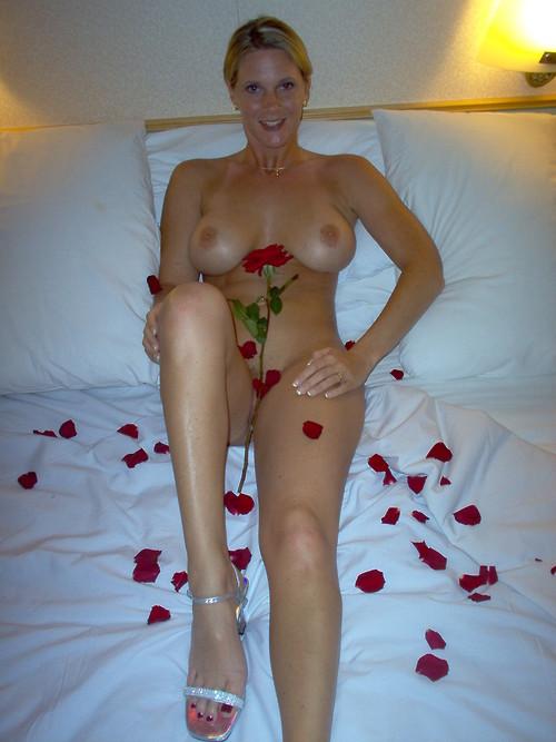 Личные снимки мамок и зрелых разведенок из США с большими дойками секс фото и порно фото