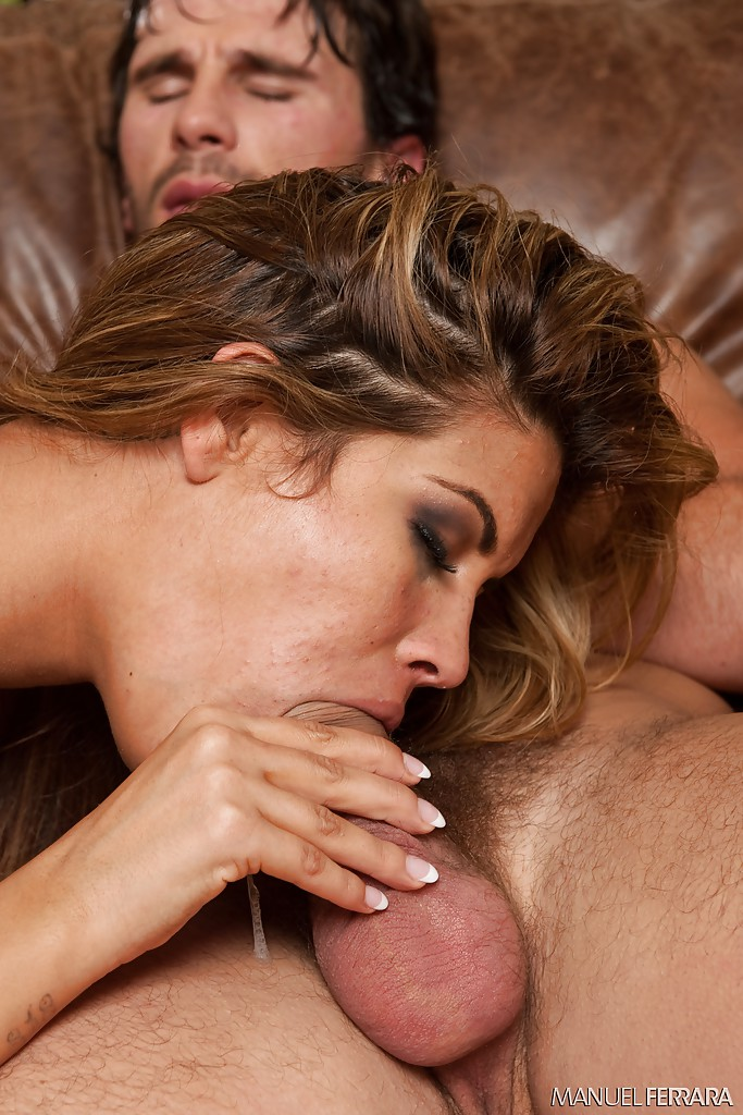 Небритый хахаль вгоняет агрегат в манду и рот толстожопой латинки секс фото и порно фото