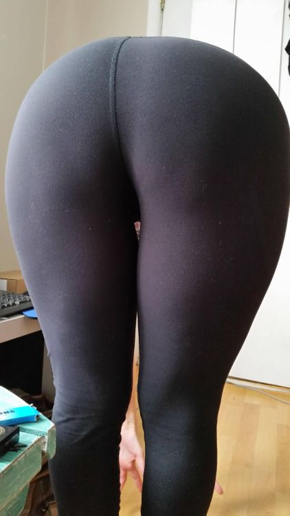 Подборка крупных задниц женщин в колготках и лосинах секс фото и порно фото