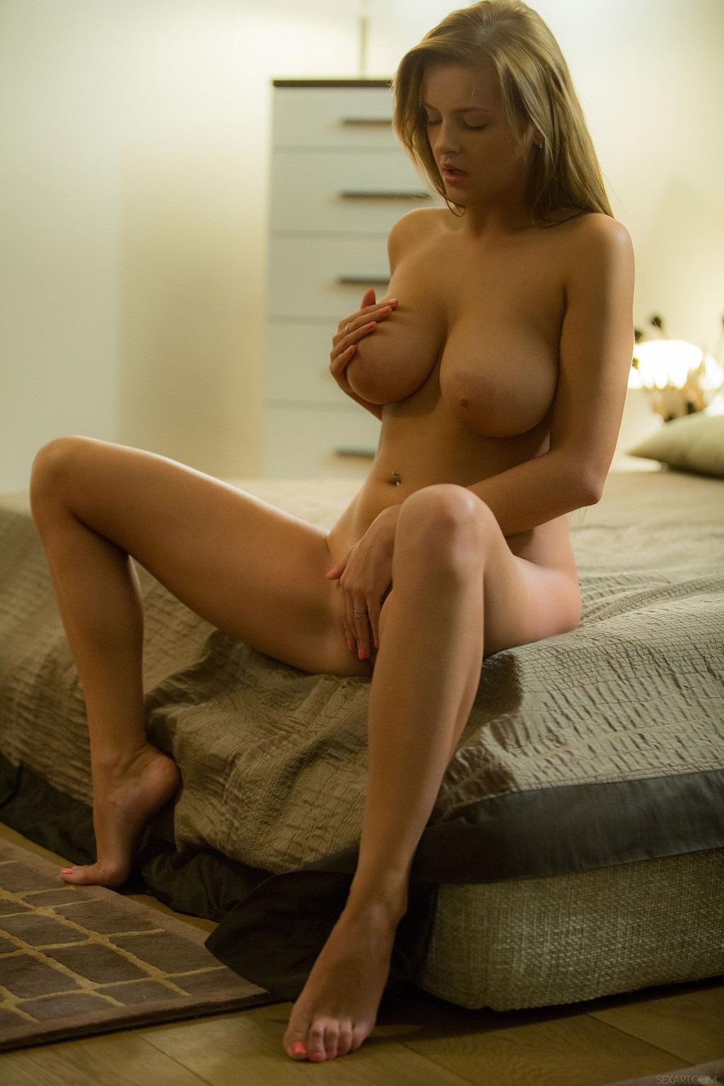 Американские мамки показывают большие буфера на камеру секс фото и порно фото