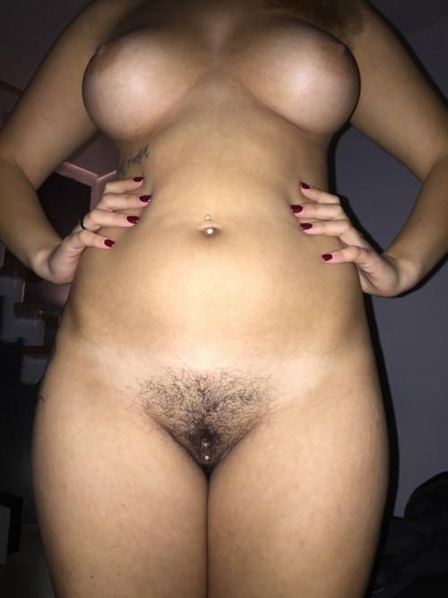 Волосатые вагины крупным планом на камеру секс фото и порно фото