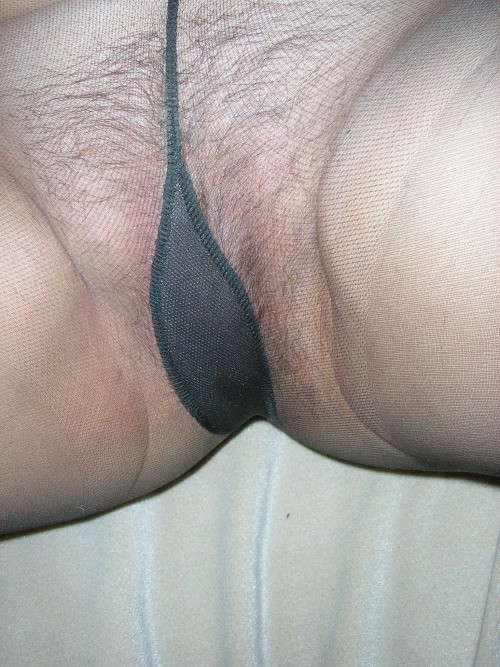 Девушки в колготках и чулках показывают вагины и ножки секс фото и порно фото