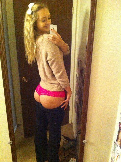 Селфи голых студенток в домашних условиях секс фото и порно фото