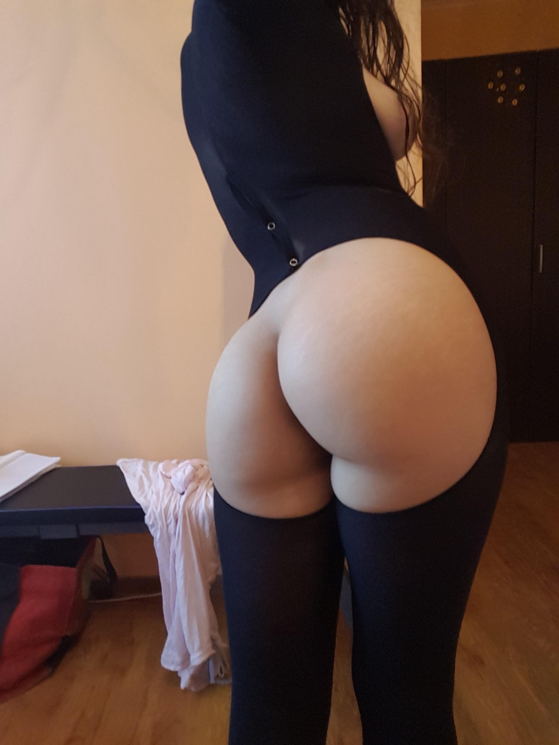 Красивые женские попки на любительскую камеру секс фото и порно фото