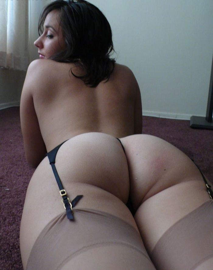 Девушки демонстрируют сиськи и пезды в домашних условиях секс фото и порно фото