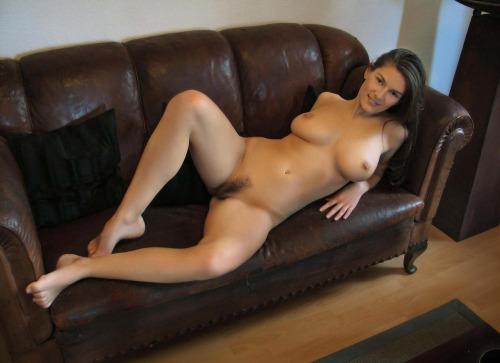 Одинокие женщины средних лет показывают голые сиськи для сайтов знакомств секс фото и порно фото