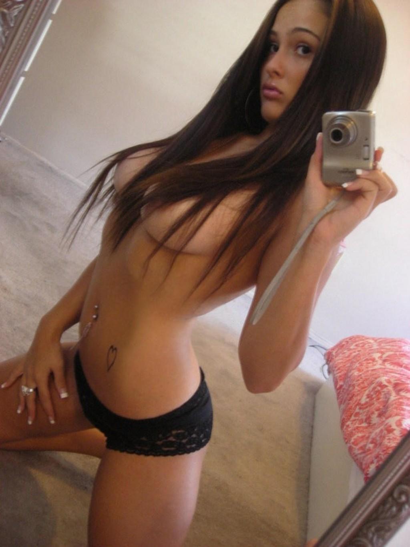 Подборка селфи обнаженных девах в домашних условиях секс фото и порно фото