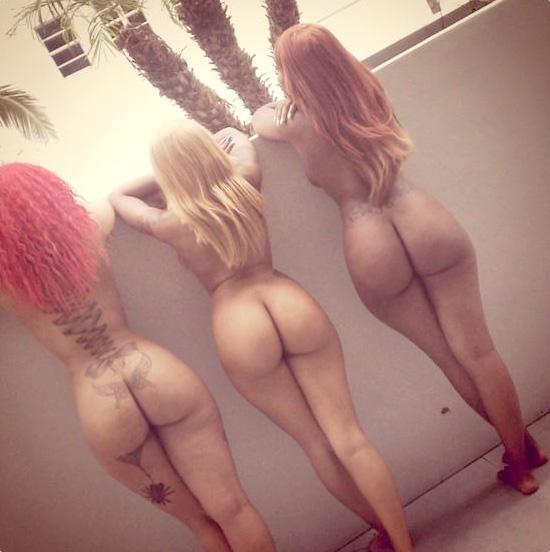 Любительский сет с обладательницами мясистых задниц секс фото и порно фото